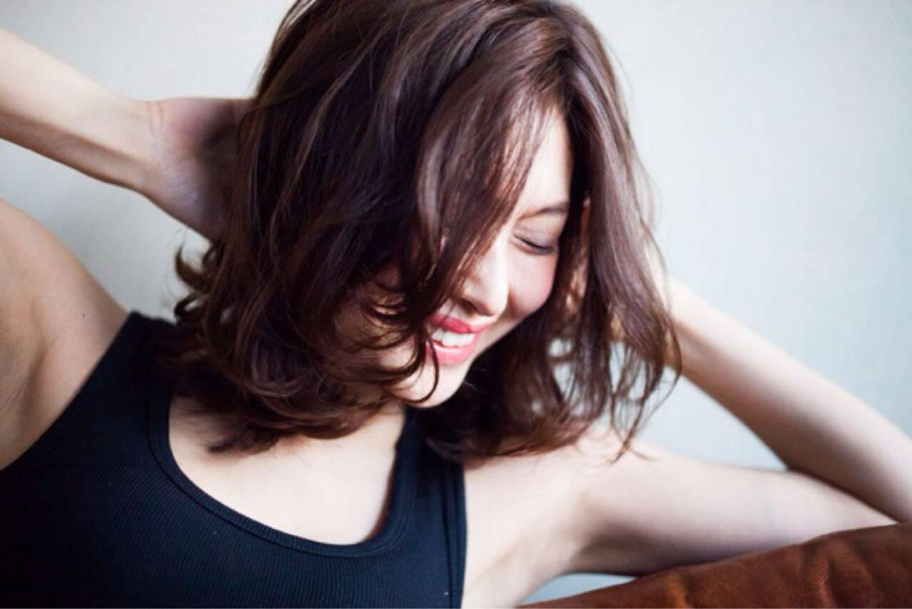 フェミニン ナチュラル 愛され ミディアムヘアスタイルや髪型の写真・画像