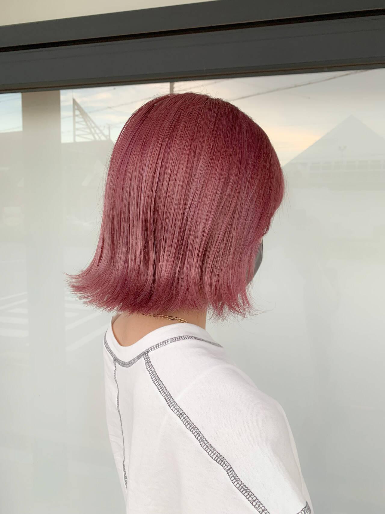 ミディアム ブリーチ ガーリー ピンクヘアスタイルや髪型の写真・画像