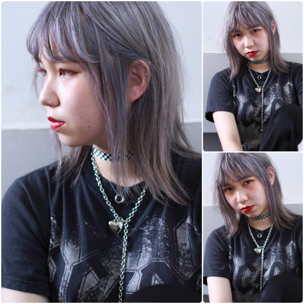 外国人風カラー グレー ロック ミディアムヘアスタイルや髪型の写真・画像