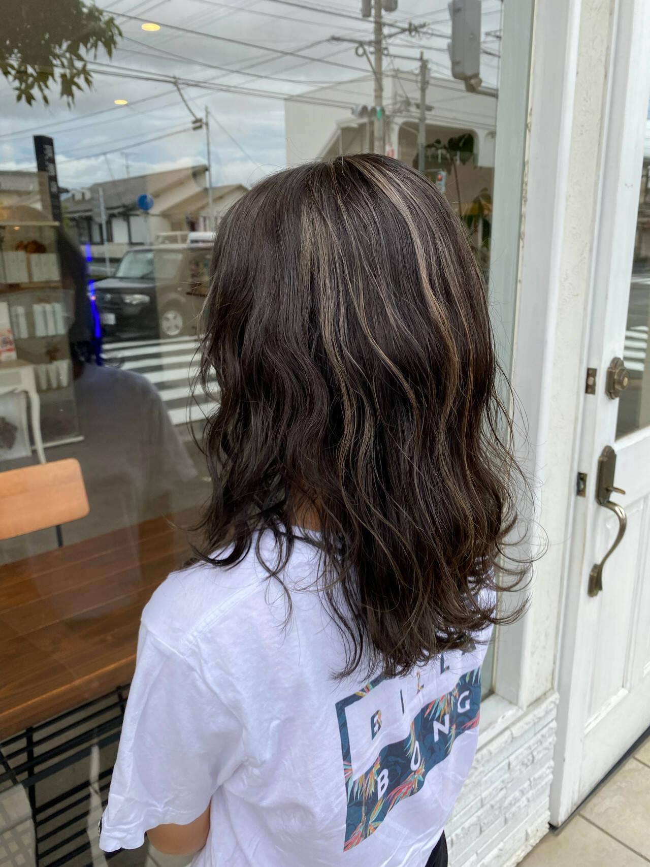 ロング 大人カラー 大人女子 ナチュラルヘアスタイルや髪型の写真・画像