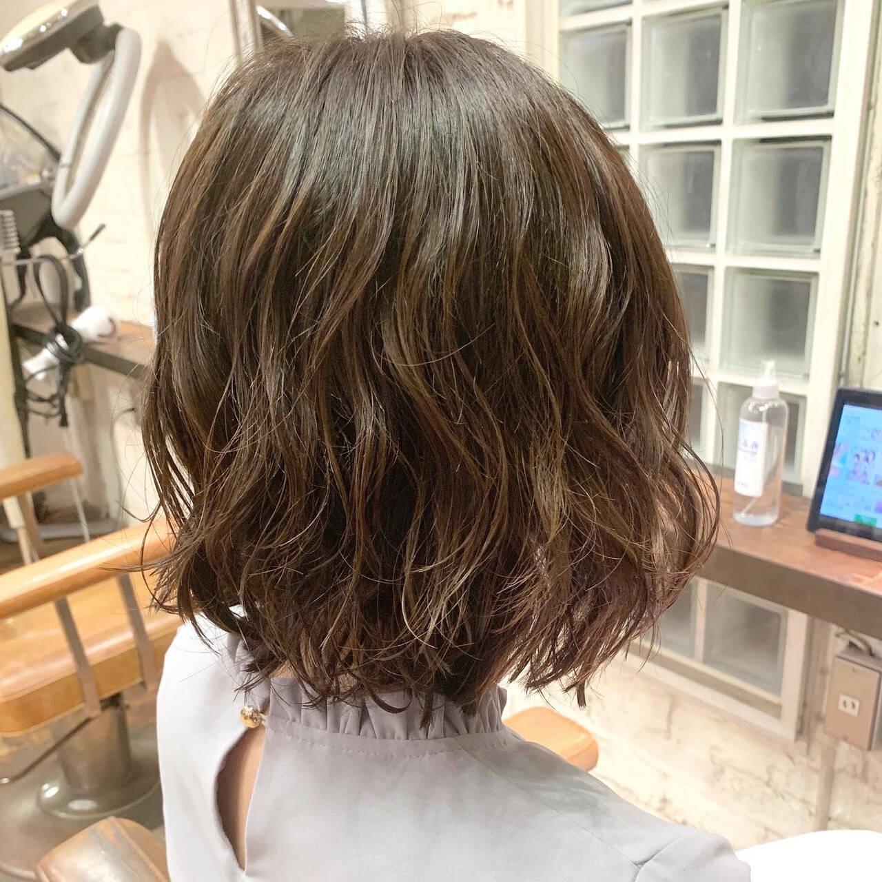 パーマ  ボブ 切りっぱなしボブヘアスタイルや髪型の写真・画像