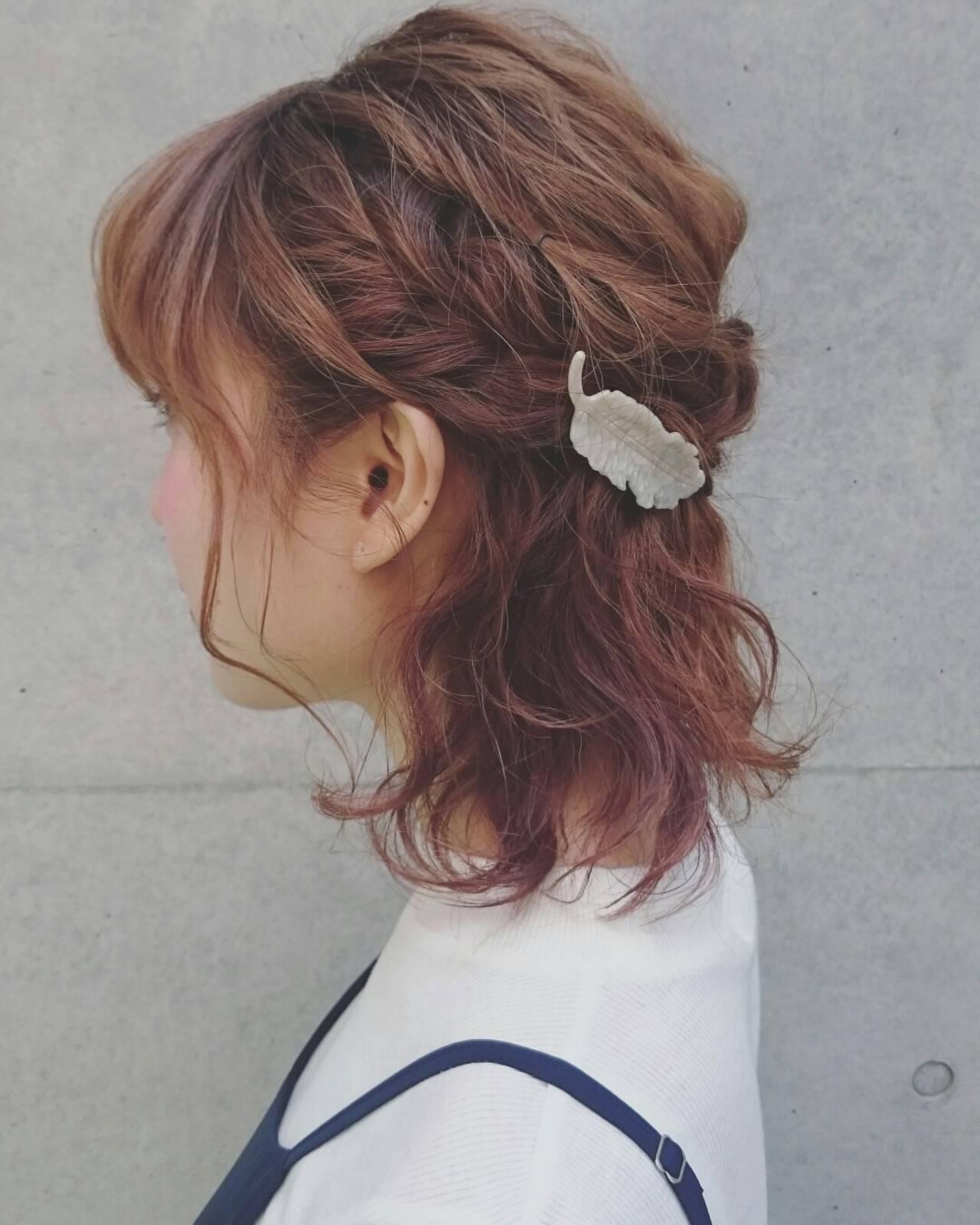 簡単ヘアアレンジ ハーフアップ ゆるふわ 波ウェーブヘアスタイルや髪型の写真・画像
