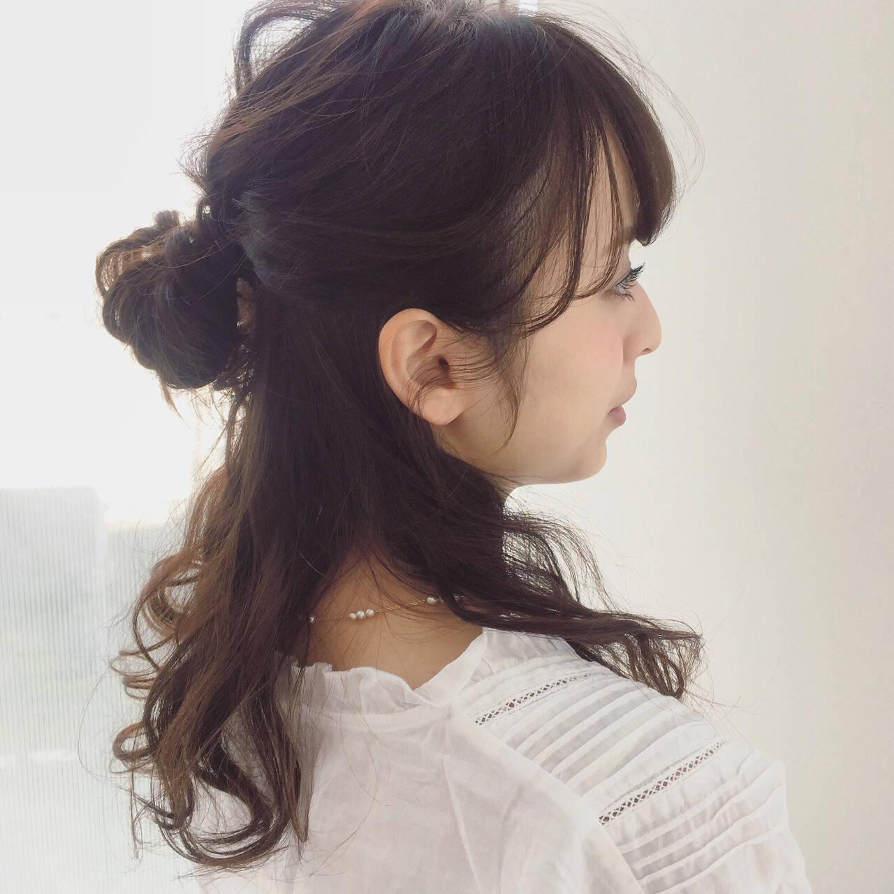 アップスタイル ルーズ ハーフアップ フェミニンヘアスタイルや髪型の写真・画像