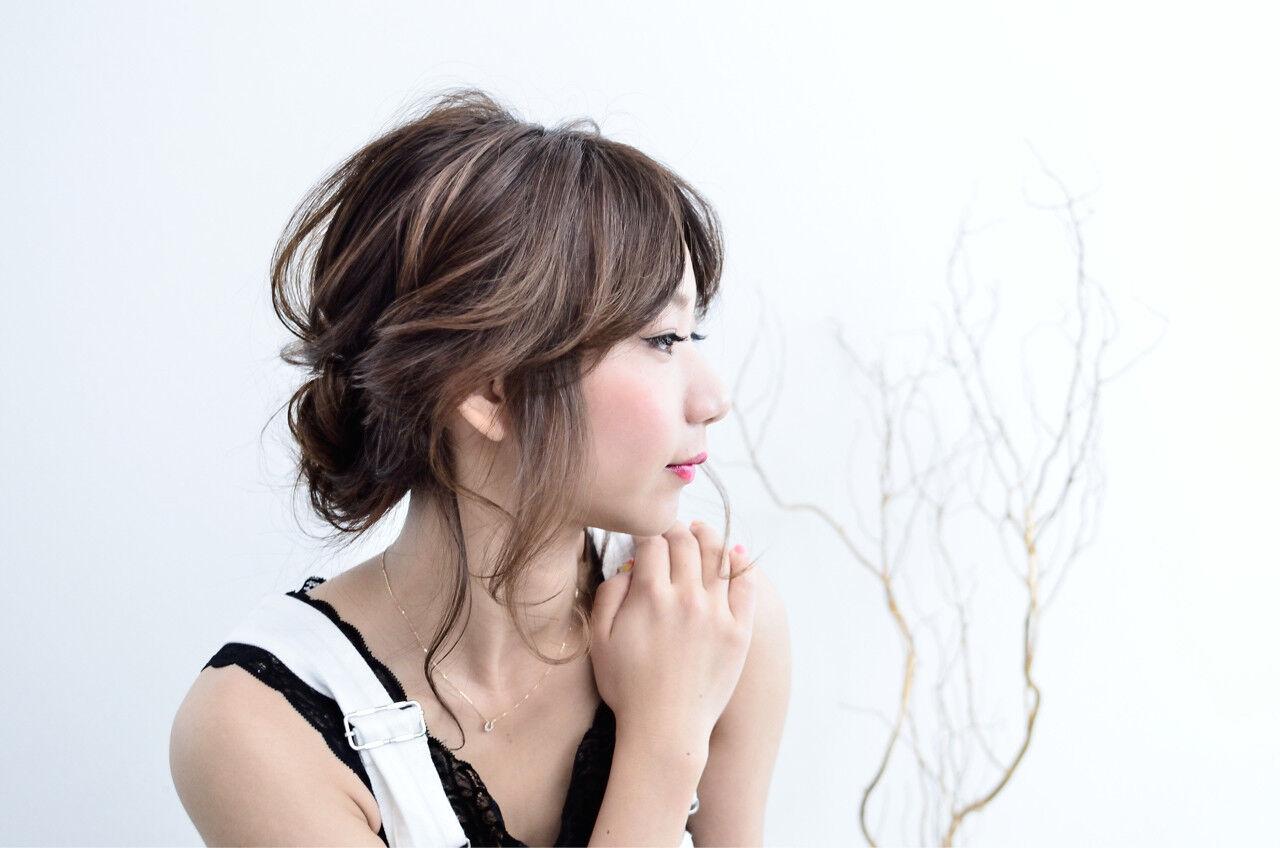 ツイスト ミディアム フェミニン ゆるふわヘアスタイルや髪型の写真・画像