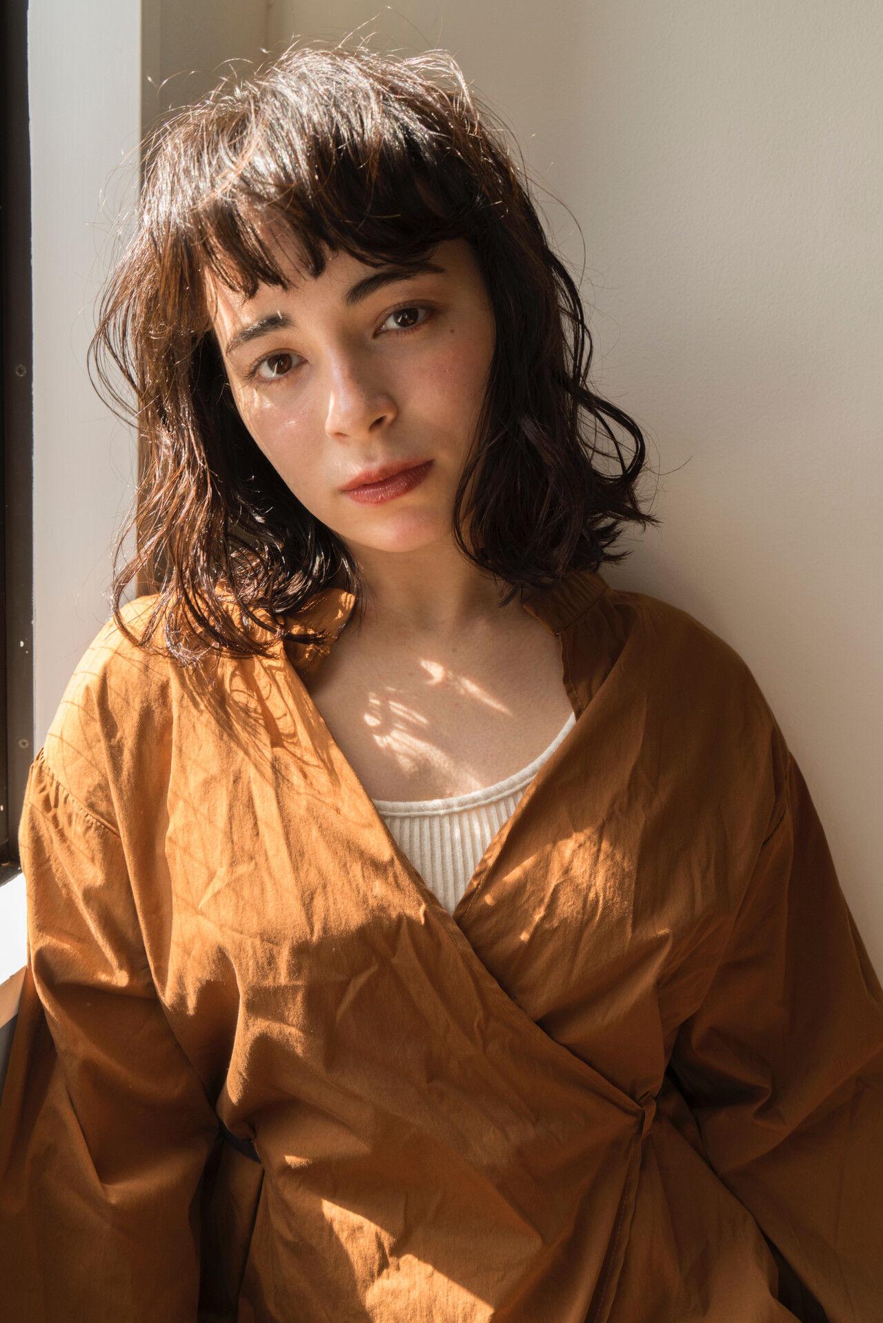 モード パーマ 黒髪 前髪パーマヘアスタイルや髪型の写真・画像