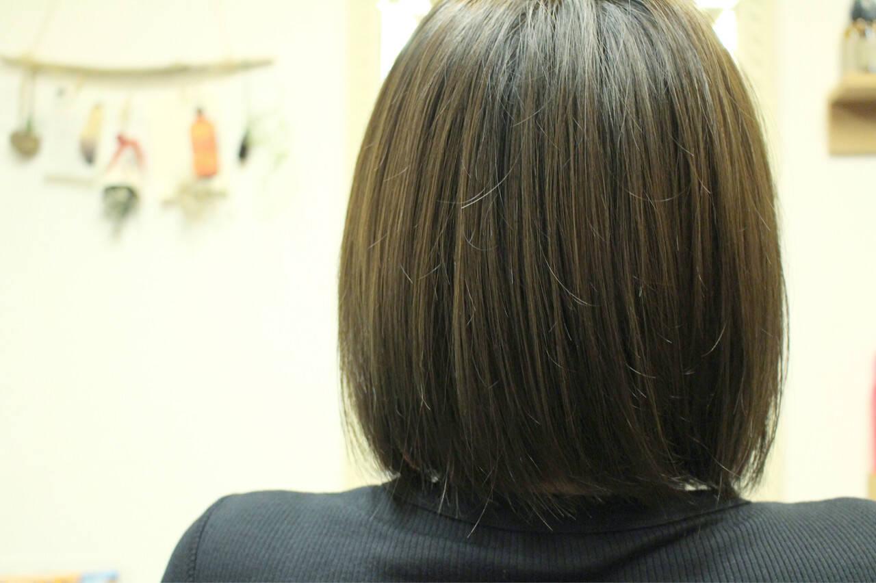マット オリーブアッシュ 色気 ベージュヘアスタイルや髪型の写真・画像