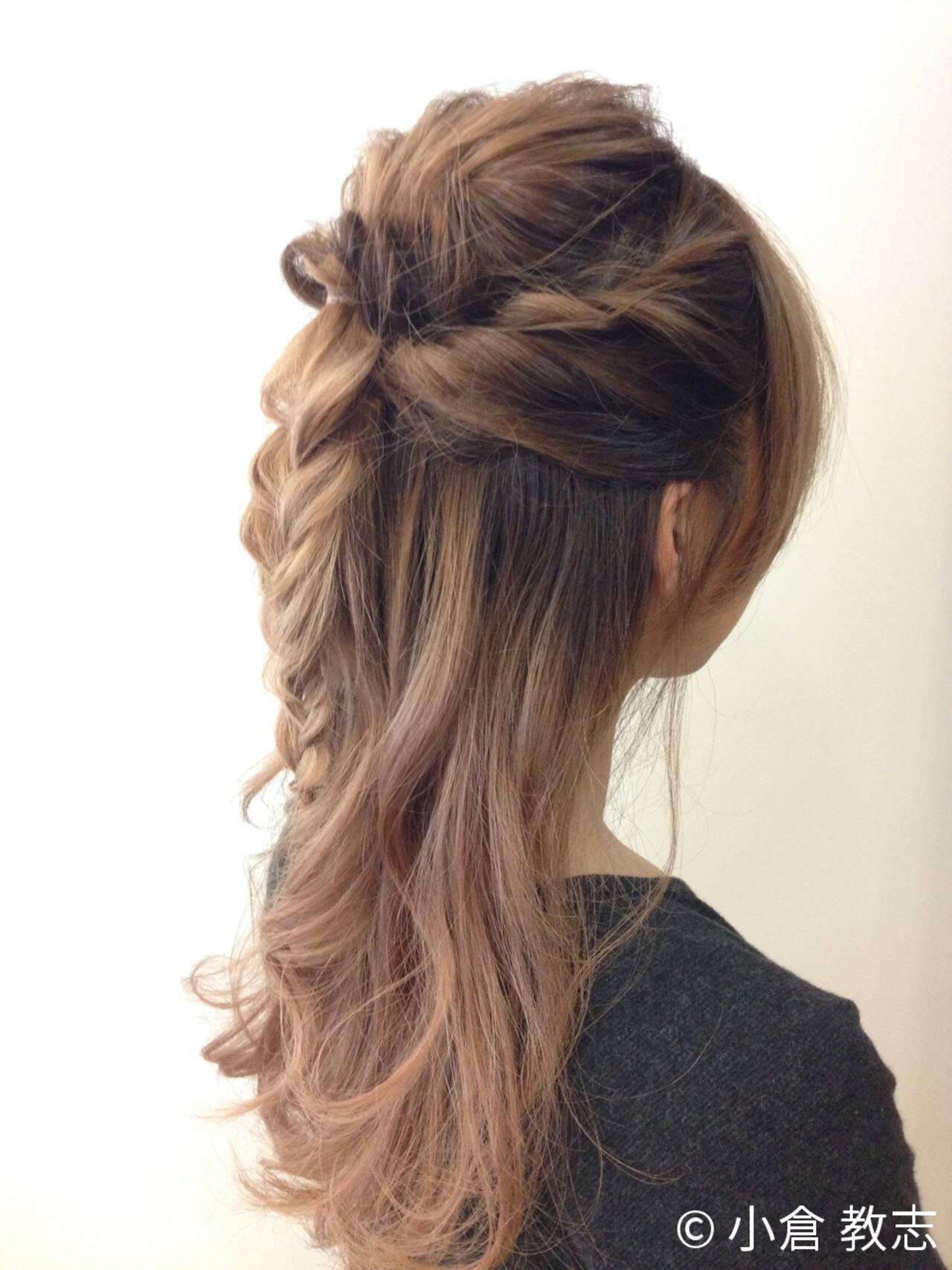 ハーフアップ ショート ねじり くるりんぱヘアスタイルや髪型の写真・画像