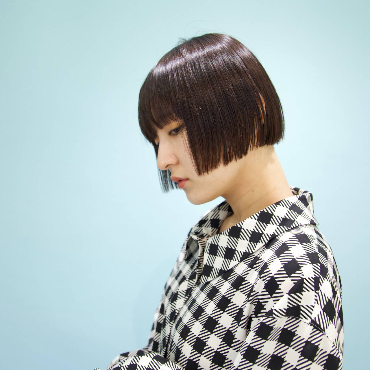 黒髪 ボブ ストレート 切りっぱなしボブヘアスタイルや髪型の写真・画像
