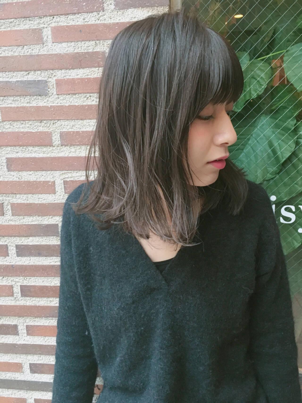 ハイライト アッシュ 大人女子 小顔ヘアスタイルや髪型の写真・画像