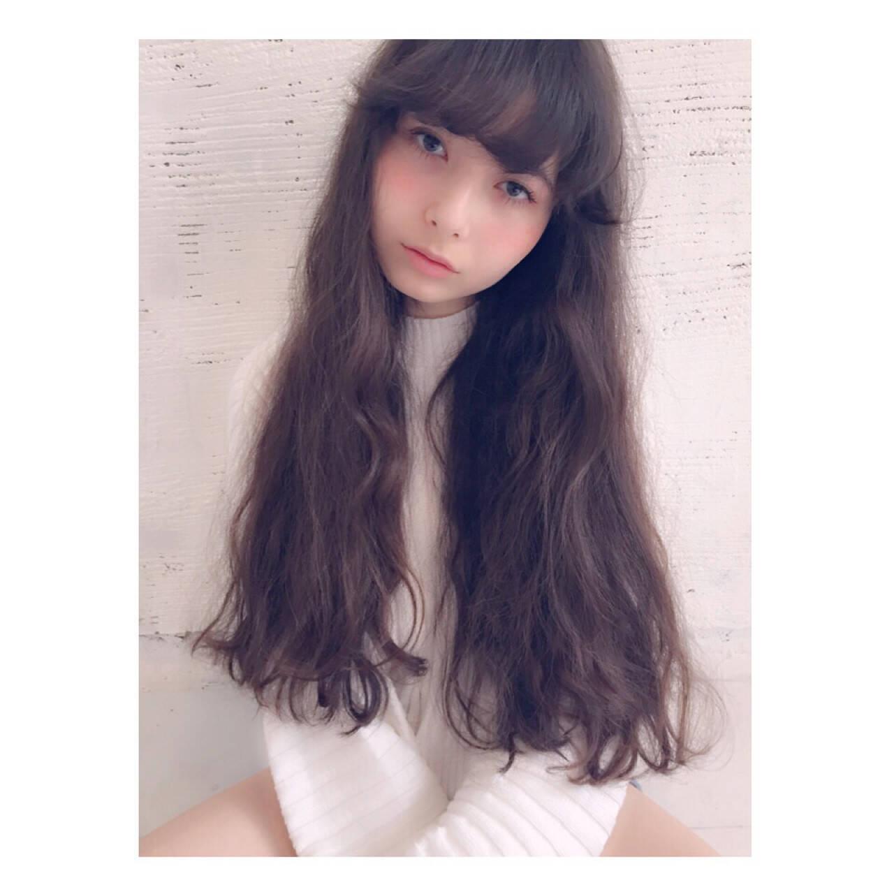 くせ毛風 ヘアアレンジ 外国人風 ガーリーヘアスタイルや髪型の写真・画像