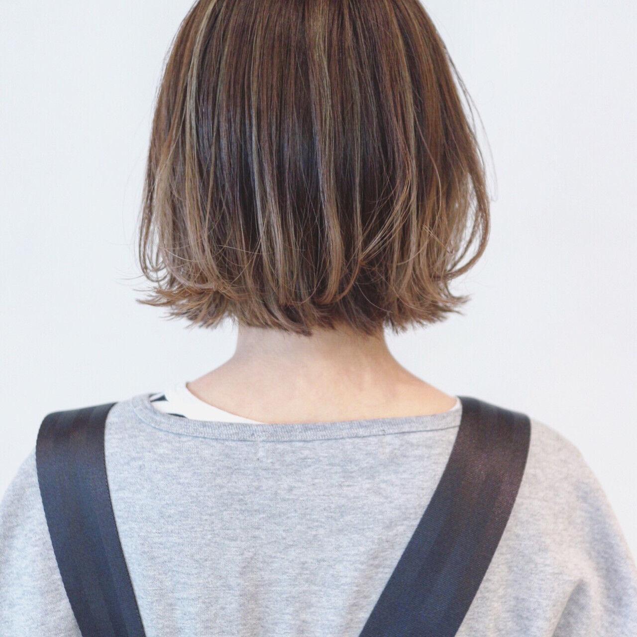 外ハネ ナチュラルグラデーション ハイライト インナーカラーヘアスタイルや髪型の写真・画像