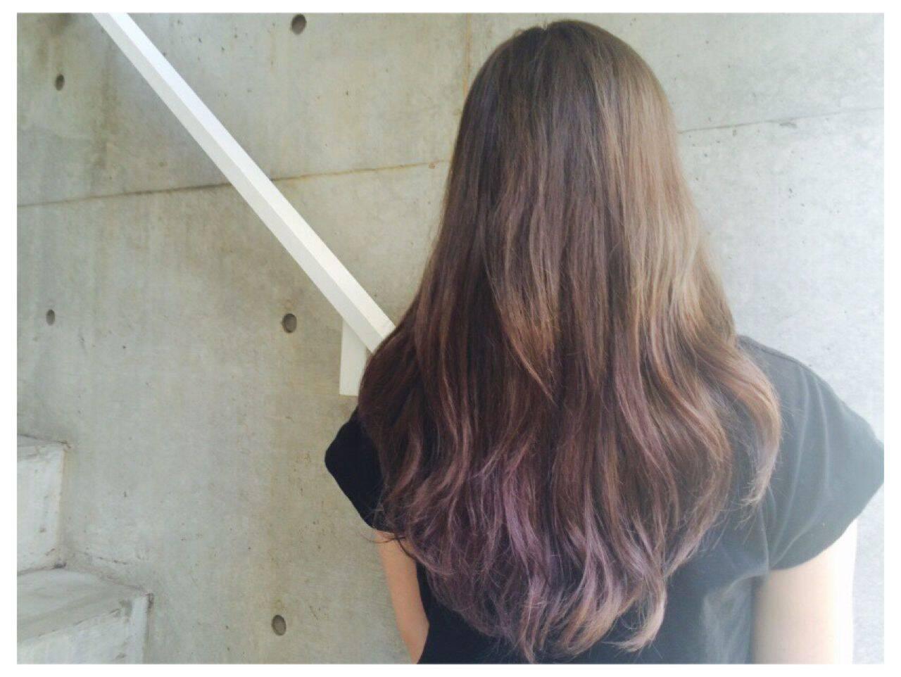 ラベンダーアッシュ ストリート グラデーションカラー ロングヘアスタイルや髪型の写真・画像