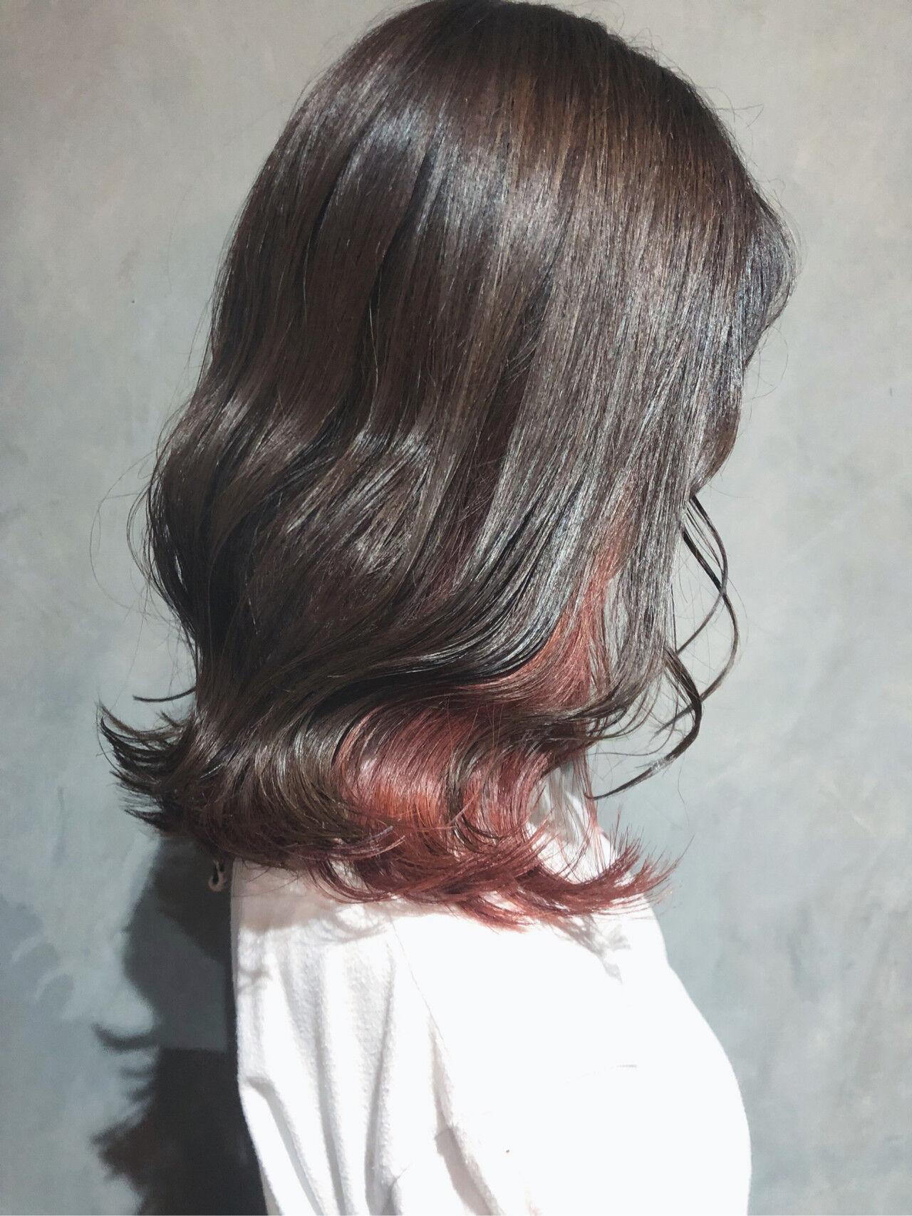 韓国ヘア 切りっぱなしボブ ミニボブ インナーカラーヘアスタイルや髪型の写真・画像