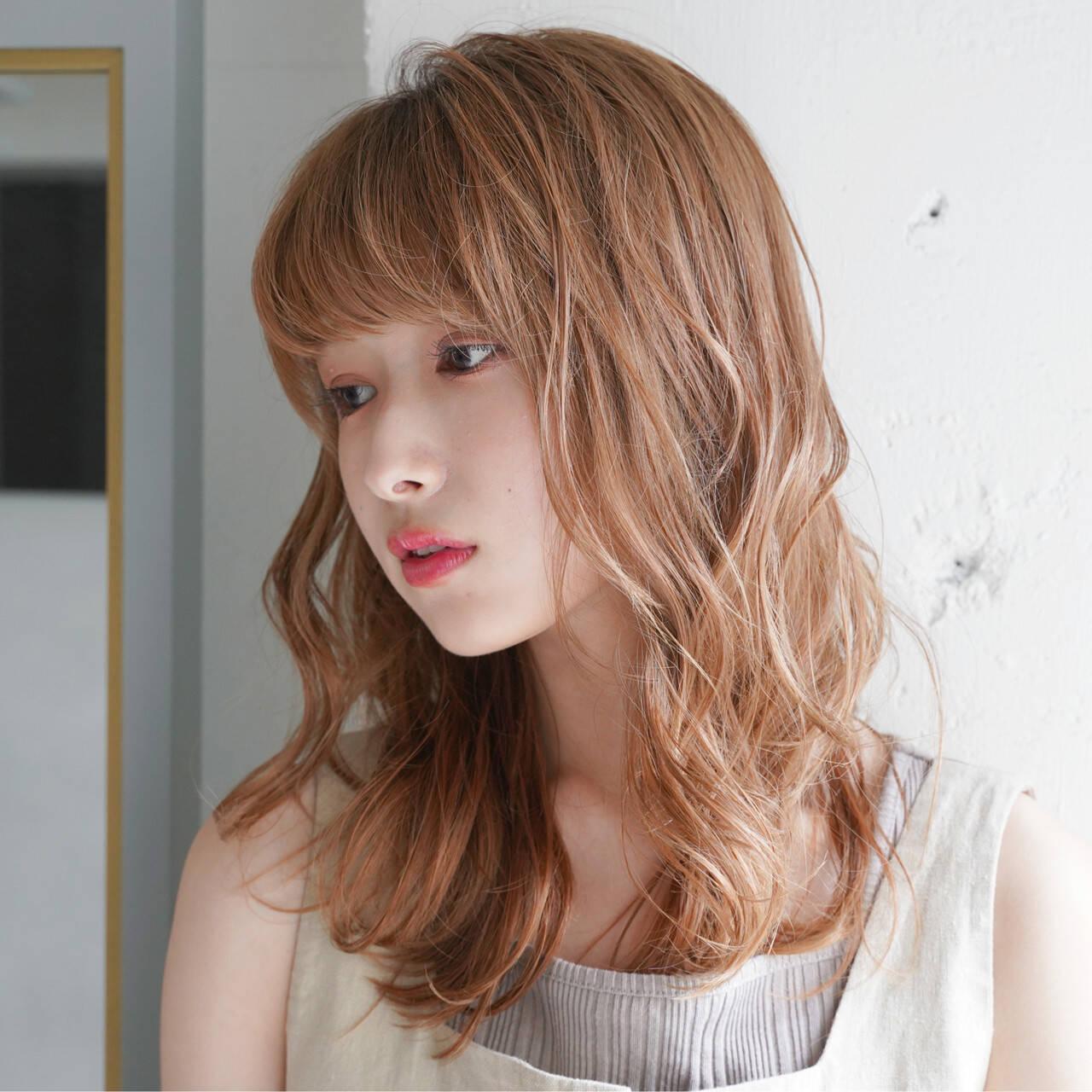 デジタルパーマ 外人風パーマ ナチュラル 外国人風カラーヘアスタイルや髪型の写真・画像