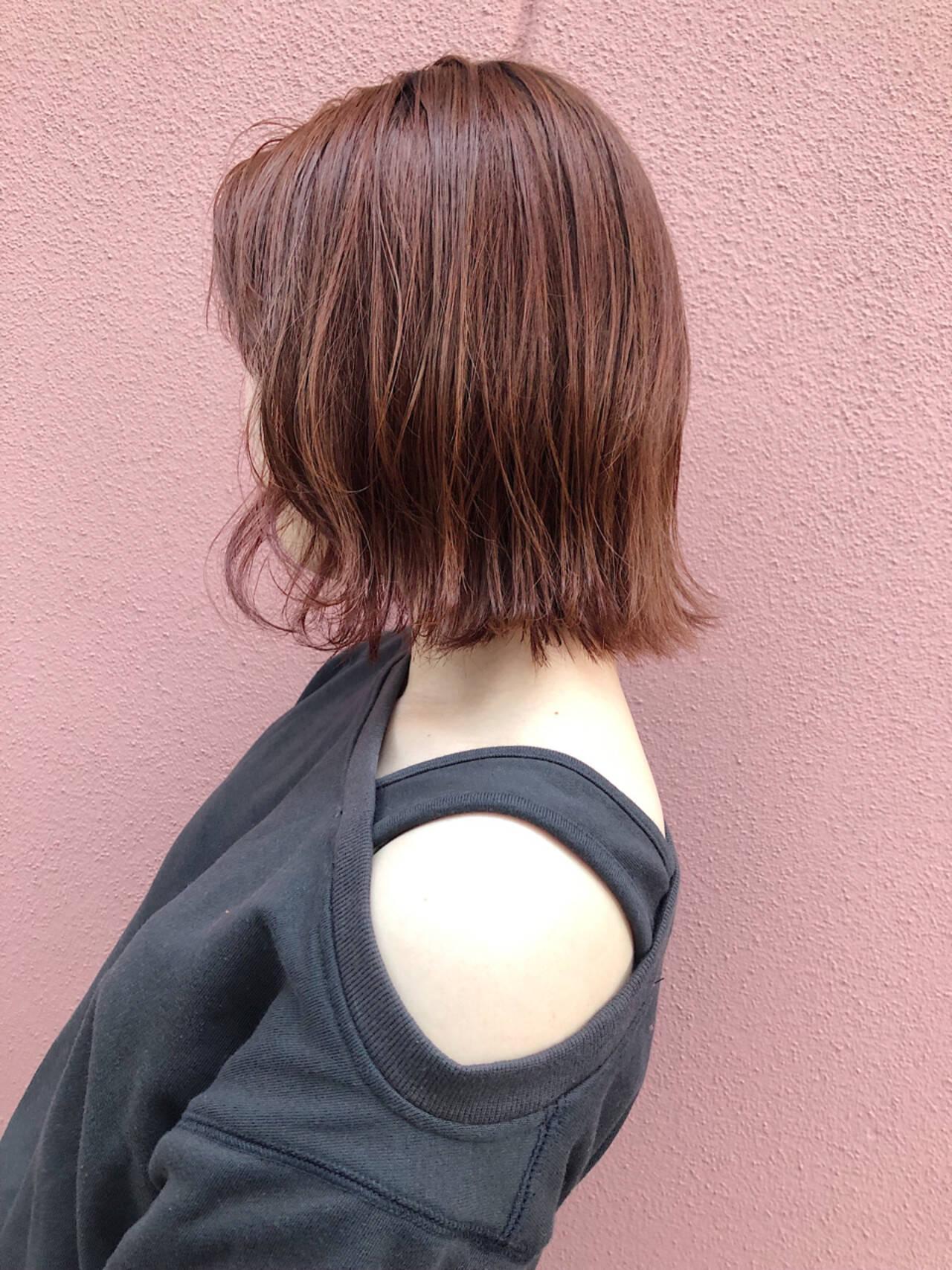 アンニュイほつれヘア ボブ 外ハネボブ オレンジベージュヘアスタイルや髪型の写真・画像