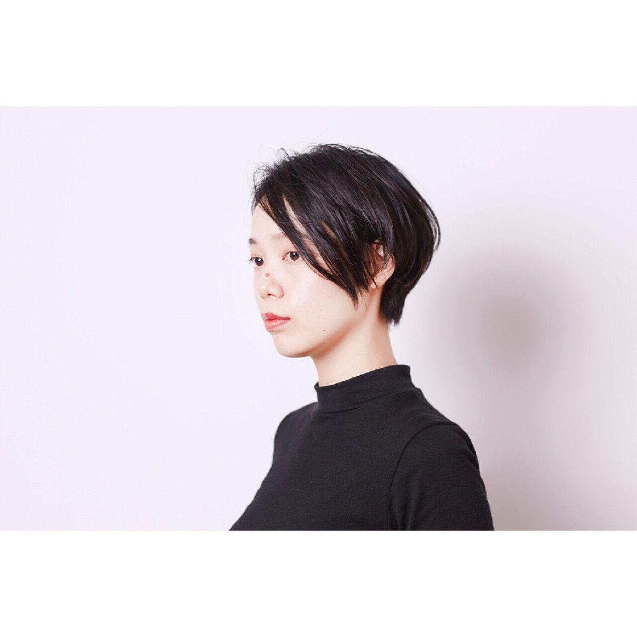 暗髪 コンサバ 黒髪 アッシュヘアスタイルや髪型の写真・画像