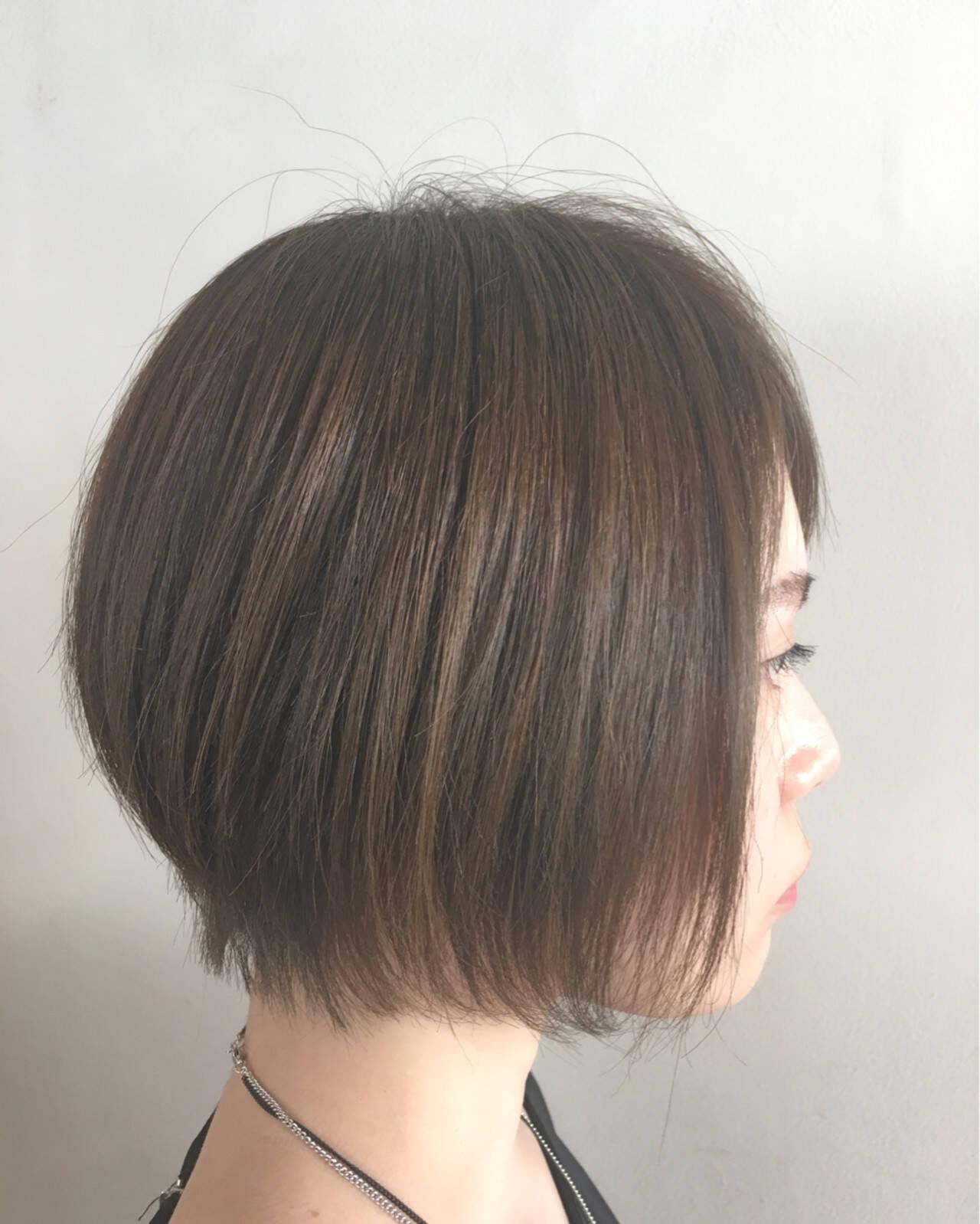 外国人風 前髪あり アッシュ ナチュラルヘアスタイルや髪型の写真・画像