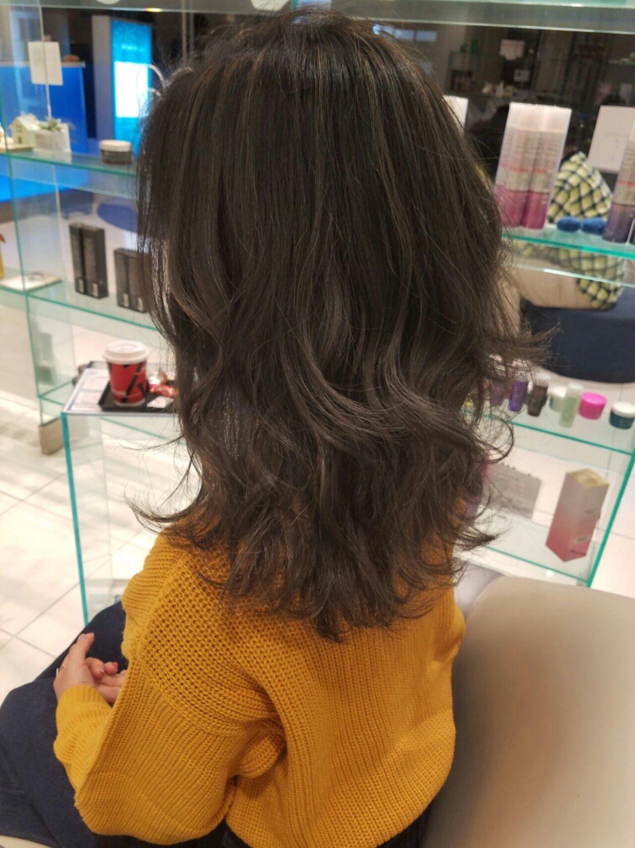 ハイライト グレージュ ミルクティー ミディアムヘアスタイルや髪型の写真・画像