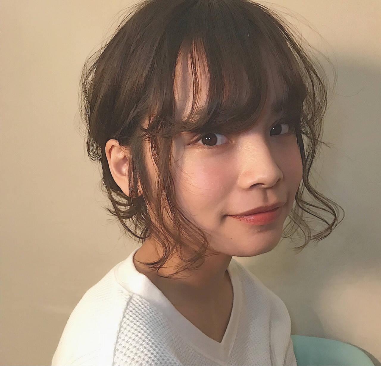 フェミニン 簡単ヘアアレンジ 伸ばしかけ 切りっぱなしヘアスタイルや髪型の写真・画像