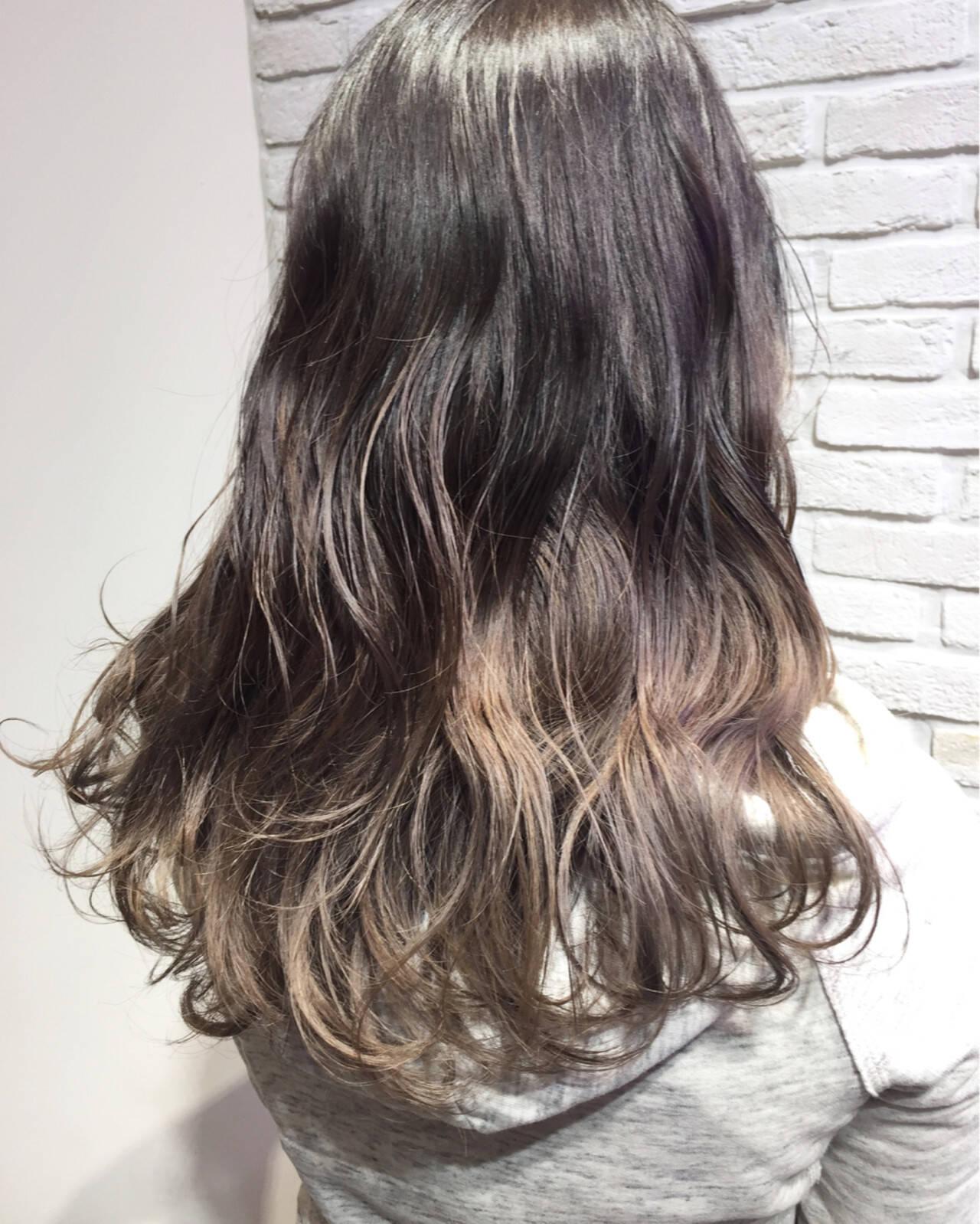 アッシュグレージュ 外国人風カラー セミロング ストリートヘアスタイルや髪型の写真・画像