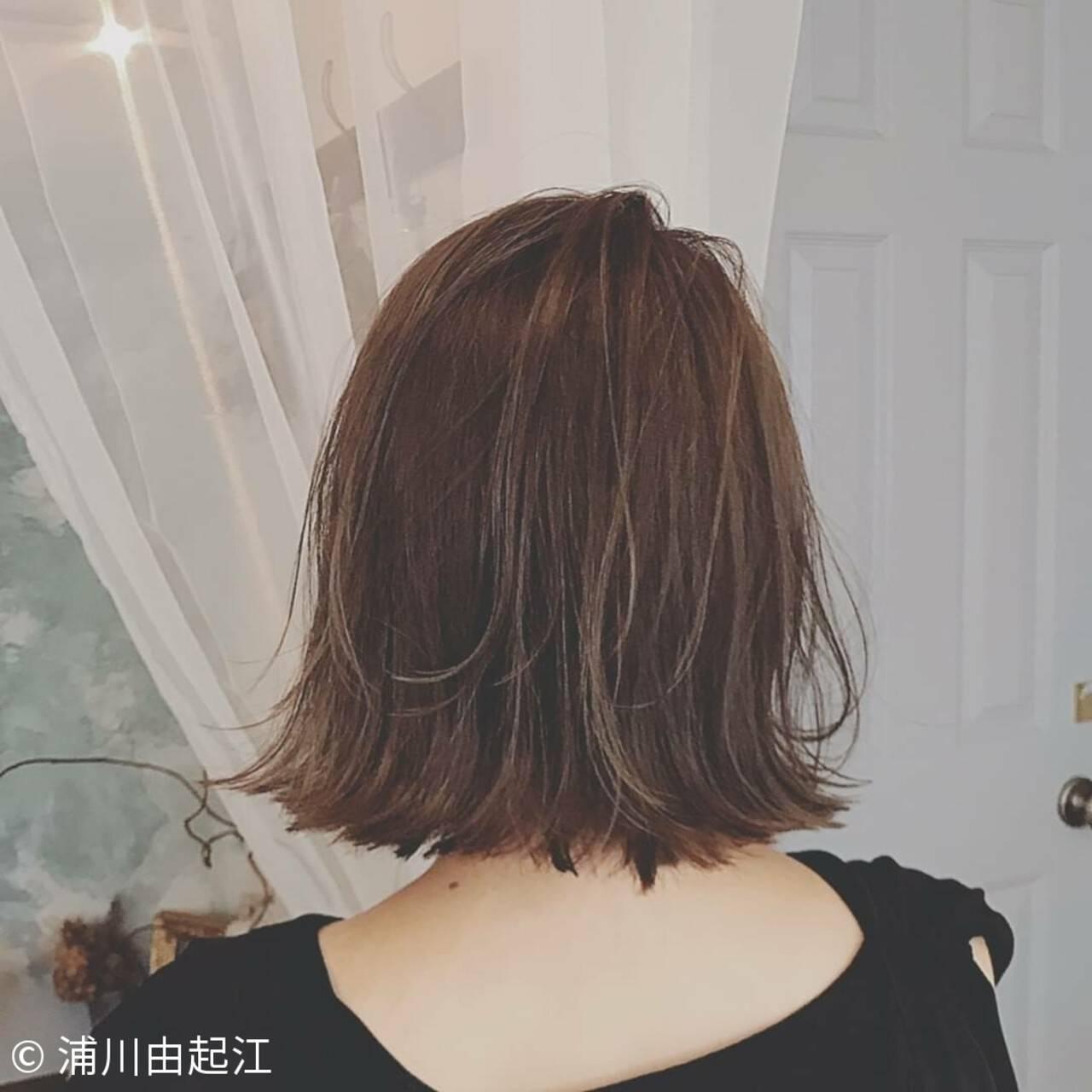 デート ボブ 艶髪 切りっぱなしボブヘアスタイルや髪型の写真・画像