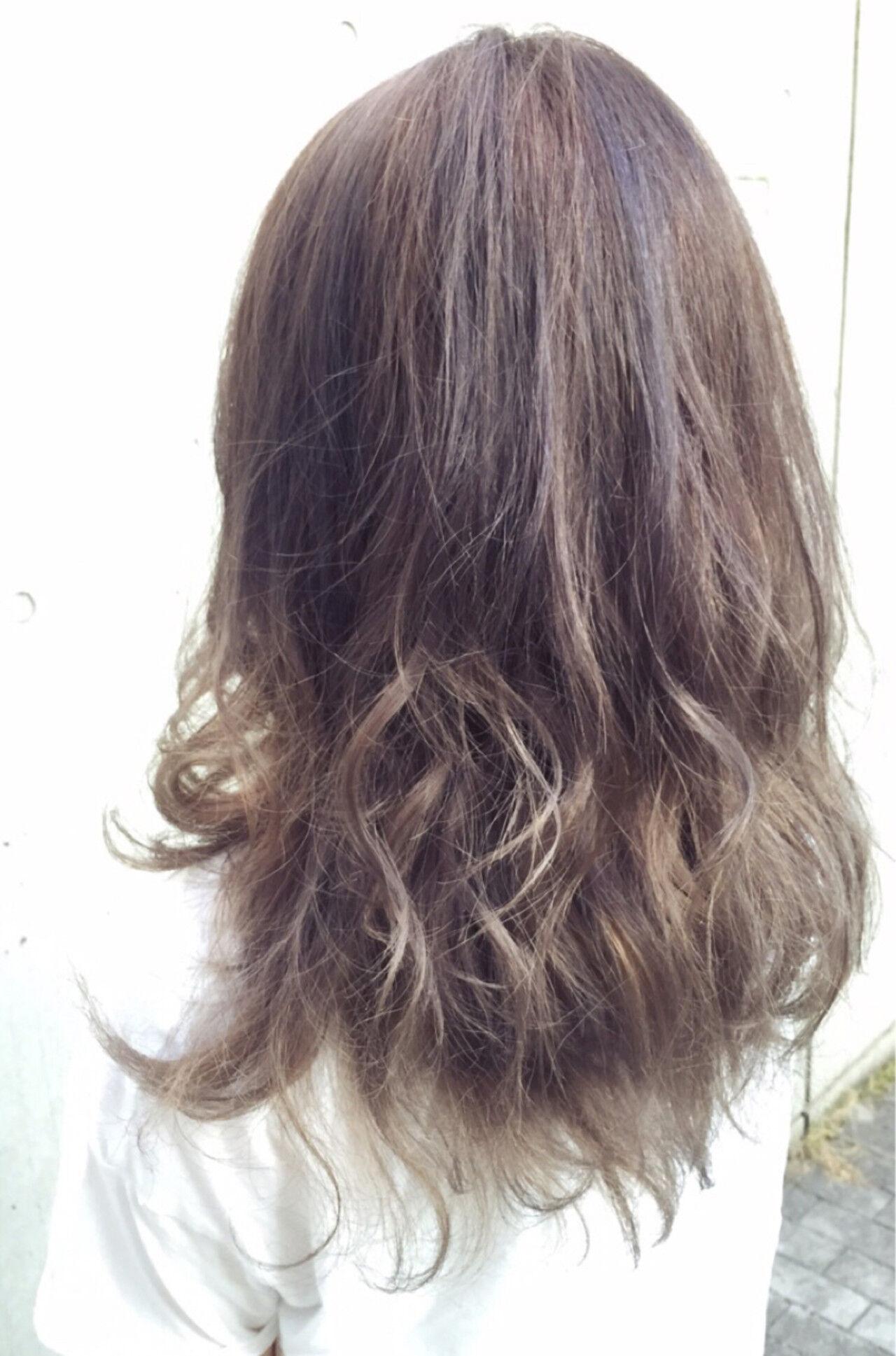 グラデーションカラー グレージュ ロング ダブルカラーヘアスタイルや髪型の写真・画像