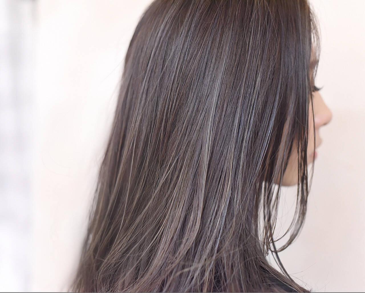セミロング ハイライト ストリート イルミナカラーヘアスタイルや髪型の写真・画像