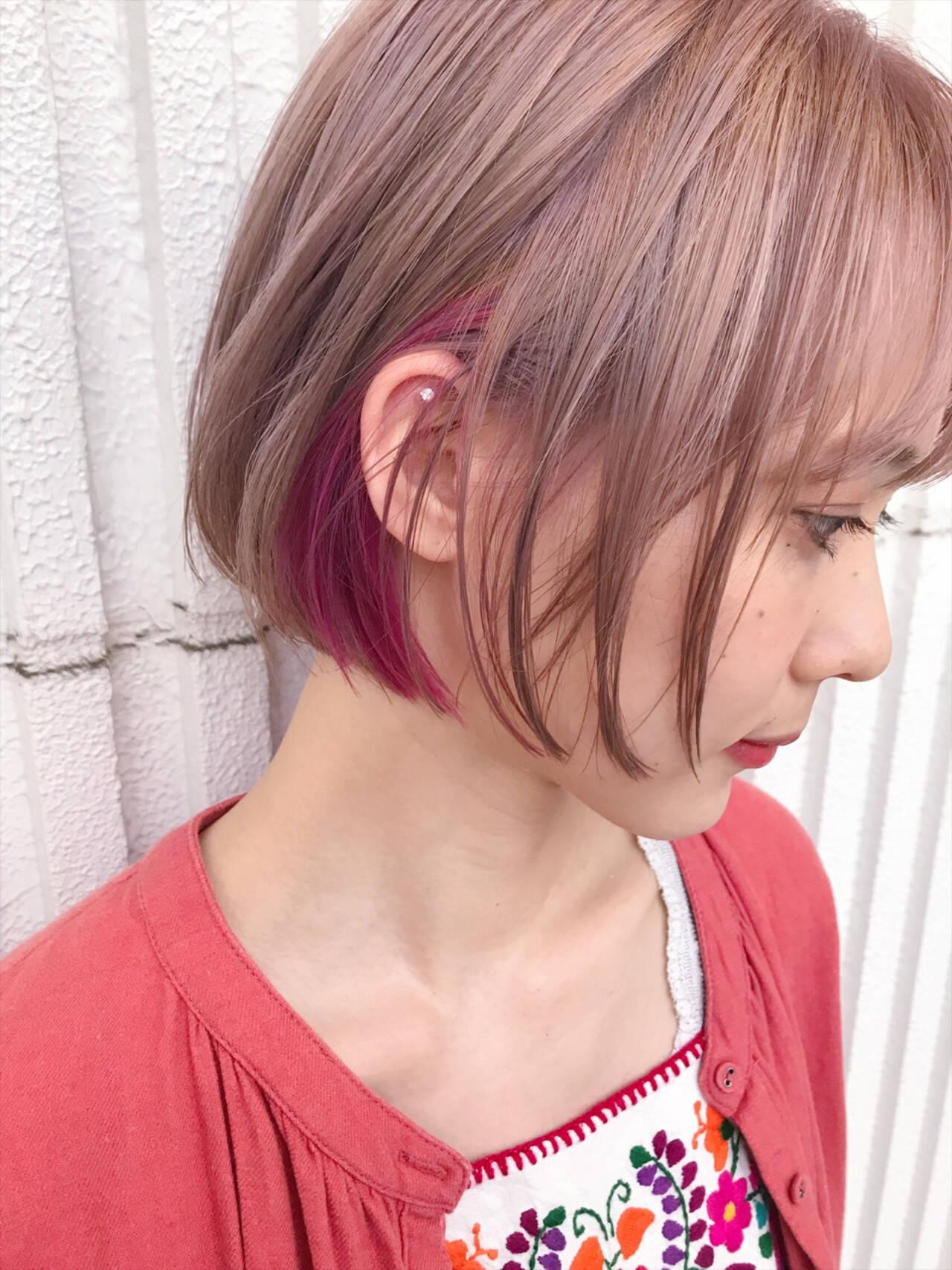 ダブルカラー カラーバター ショート ナチュラルヘアスタイルや髪型の写真・画像
