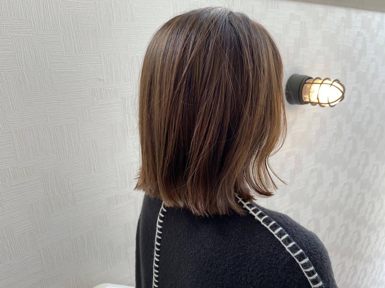 ボブ 切りっぱなしボブ オリーブグレージュ オリーブベージュヘアスタイルや髪型の写真・画像