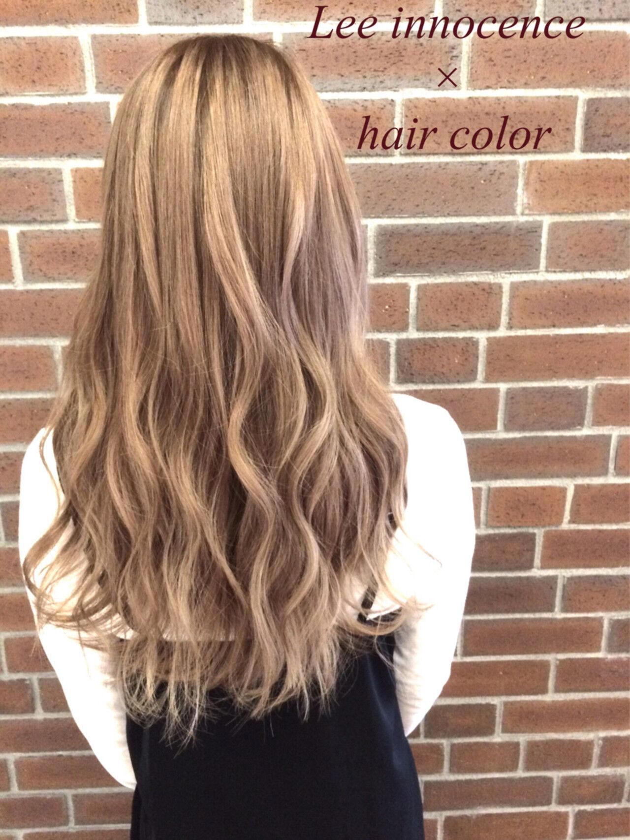 グラデーションカラー ゆるふわ ロング くせ毛風ヘアスタイルや髪型の写真・画像