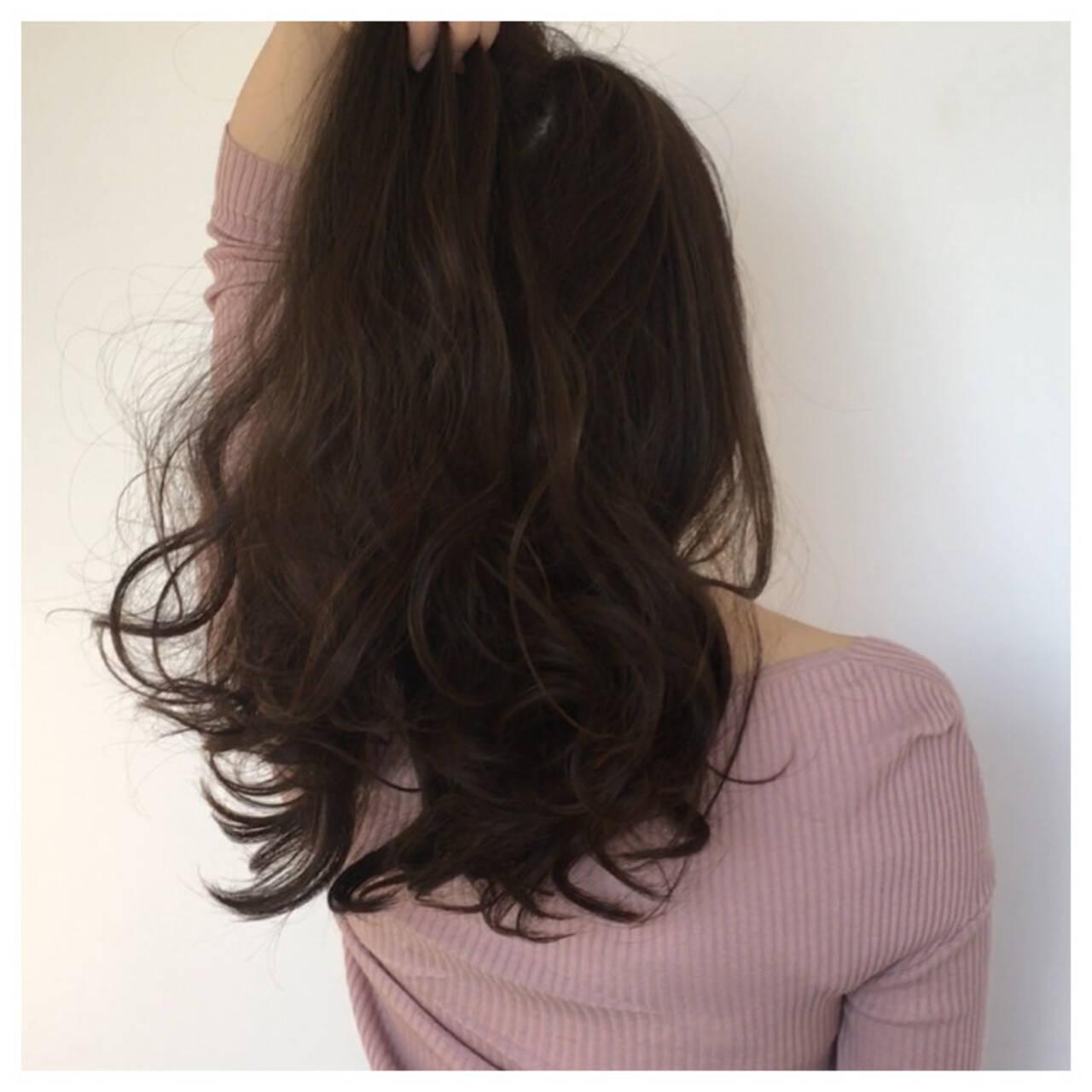 小顔 ロング ベージュ 大人女子ヘアスタイルや髪型の写真・画像