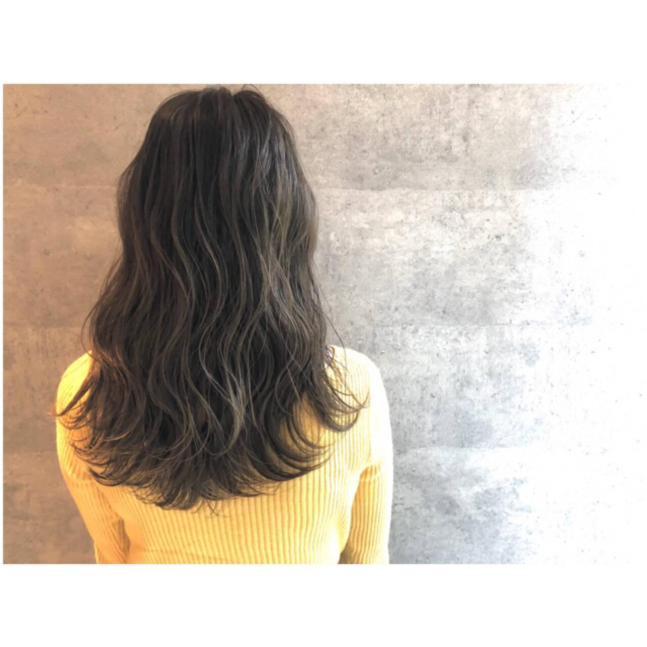 ナチュラル ロング 大人女子 3Dカラーヘアスタイルや髪型の写真・画像