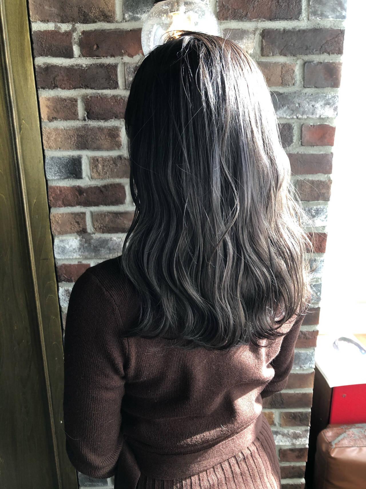イルミナカラー 切りっぱなしボブ ナチュラル 透明感ヘアスタイルや髪型の写真・画像
