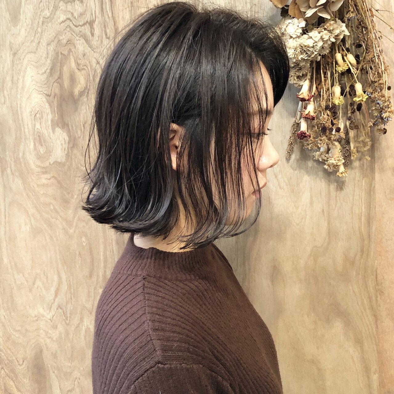 ショートボブ ナチュラル 切りっぱなしボブ ミニボブヘアスタイルや髪型の写真・画像