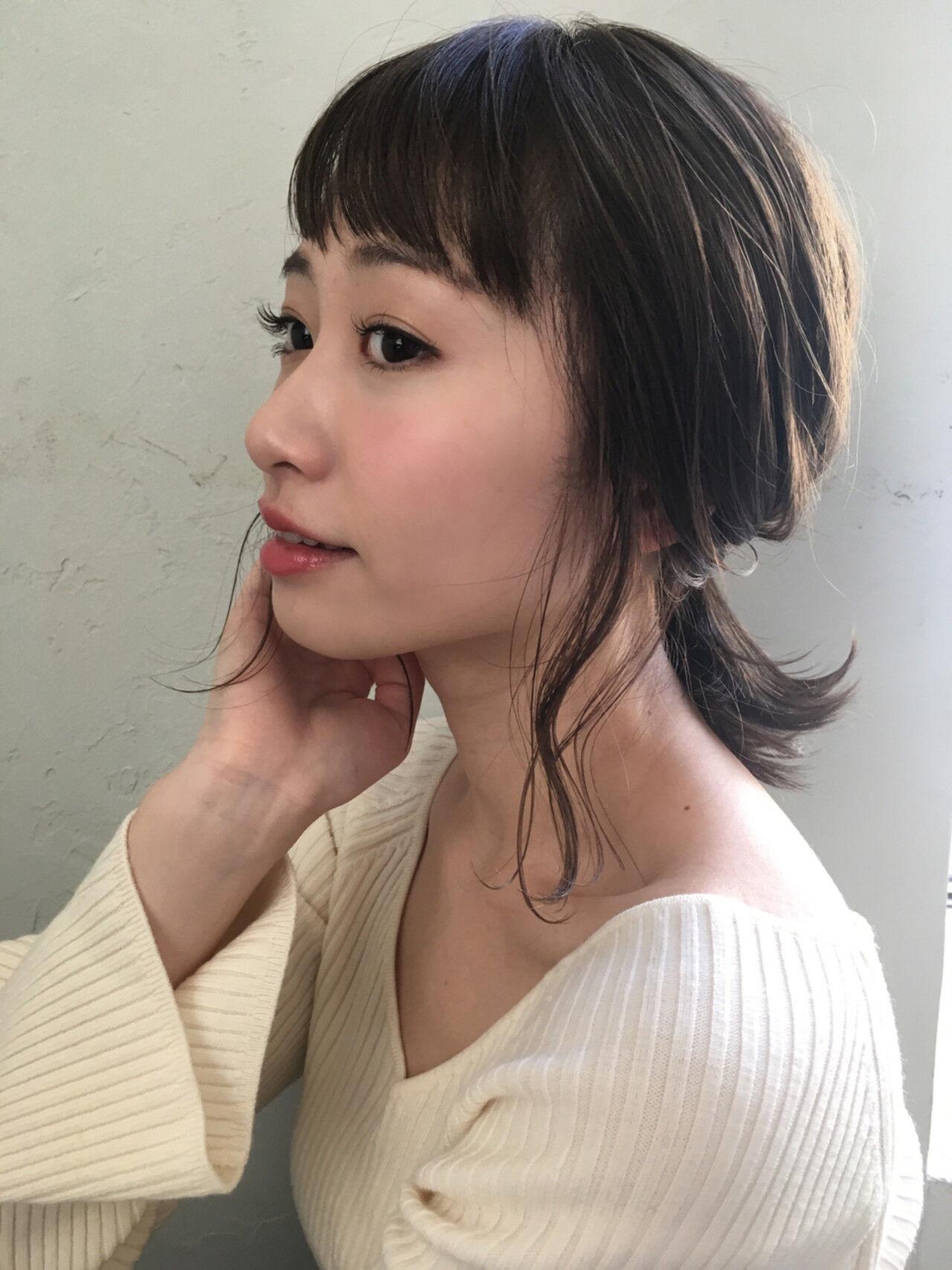 暗髪 ミディアム ナチュラル 簡単ヘアアレンジヘアスタイルや髪型の写真・画像