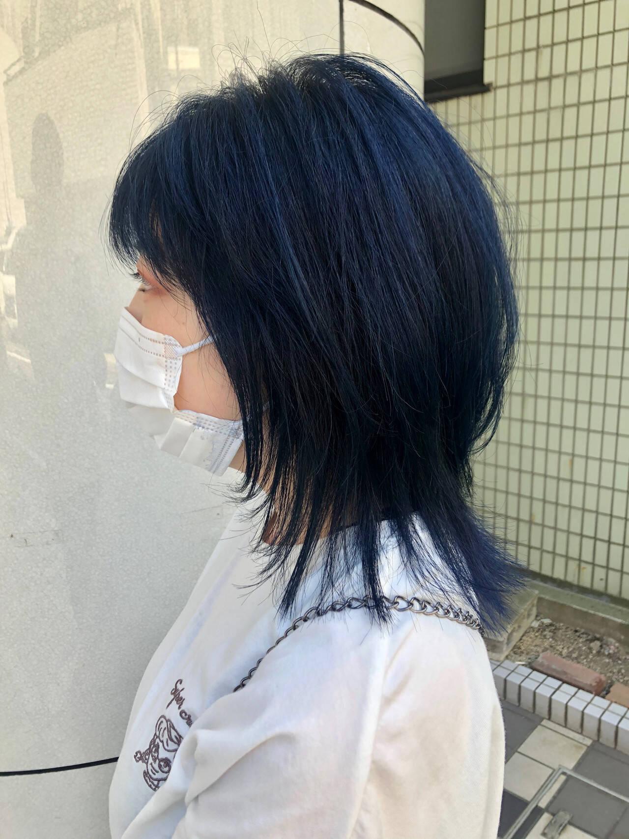ストリート レイヤー ダブルカラー ウルフカットヘアスタイルや髪型の写真・画像