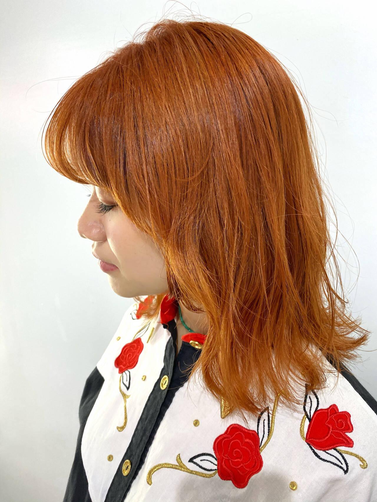 オレンジ 韓国ヘア アプリコットオレンジ ミディアムヘアスタイルや髪型の写真・画像