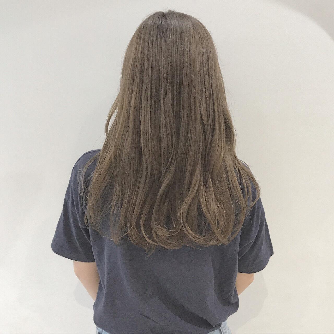 秋 ミルクティーベージュ 透明感 ナチュラルヘアスタイルや髪型の写真・画像