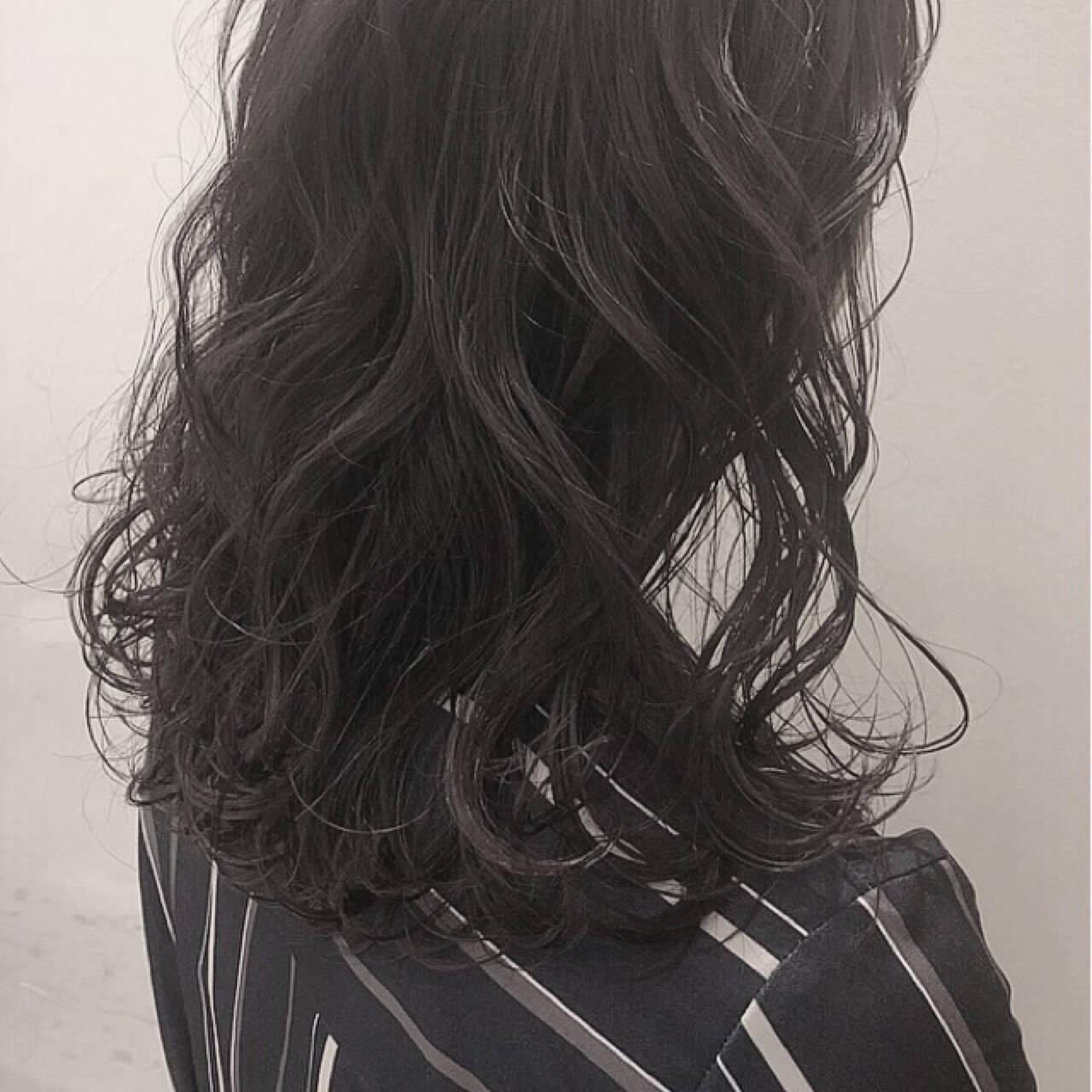 アッシュグレージュ ナチュラル アッシュ 外国人風カラーヘアスタイルや髪型の写真・画像