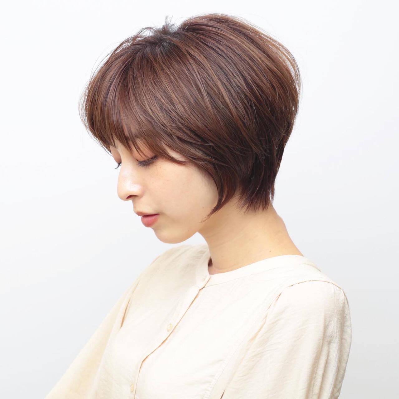 ショートボブ 耳かけ ショートヘア 前髪ありヘアスタイルや髪型の写真・画像