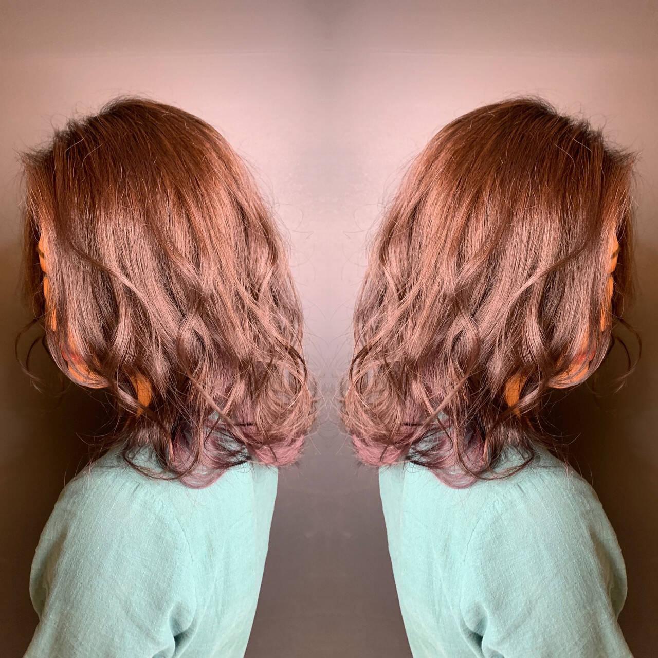 グラデーションカラー マッシュ ミディアム ホワイトグラデーションヘアスタイルや髪型の写真・画像