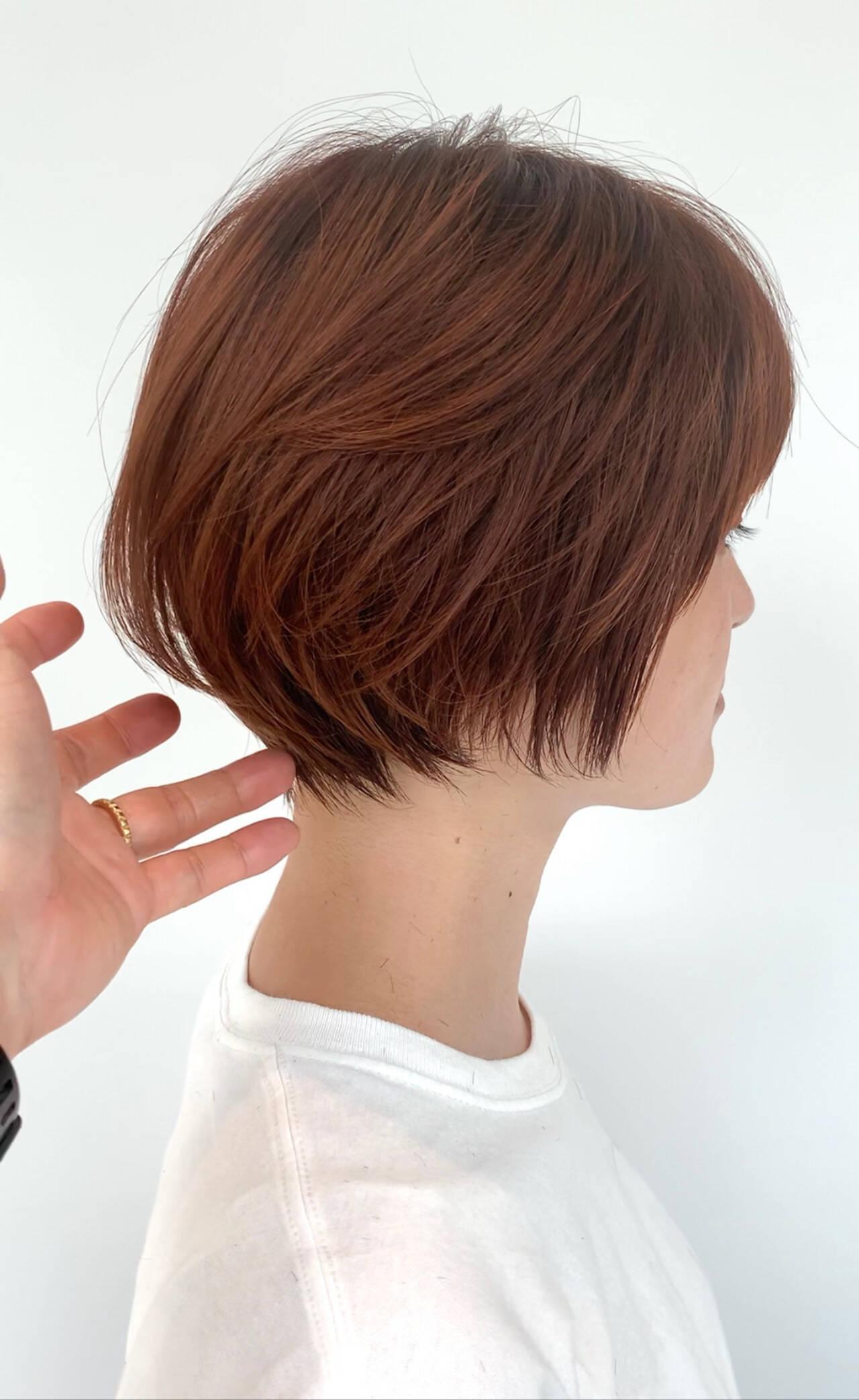 インナーカラー ミニボブ ショート ナチュラルヘアスタイルや髪型の写真・画像