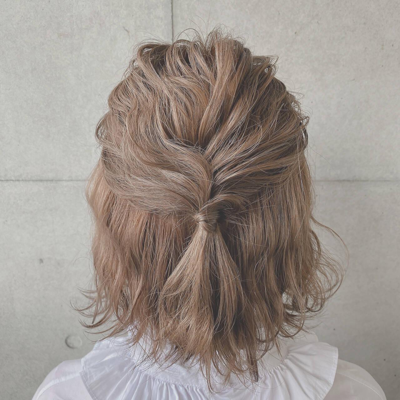 簡単ヘアアレンジ ふわふわヘアアレンジ ナチュラル ボブヘアスタイルや髪型の写真・画像