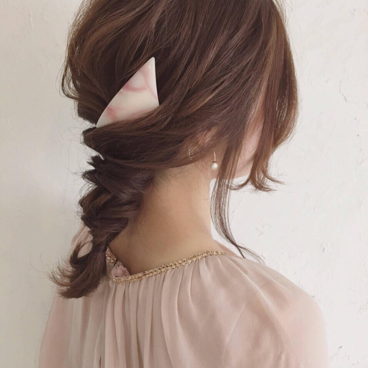大人かわいい バレッタ 三つ編み ヘアアレンジヘアスタイルや髪型の写真・画像