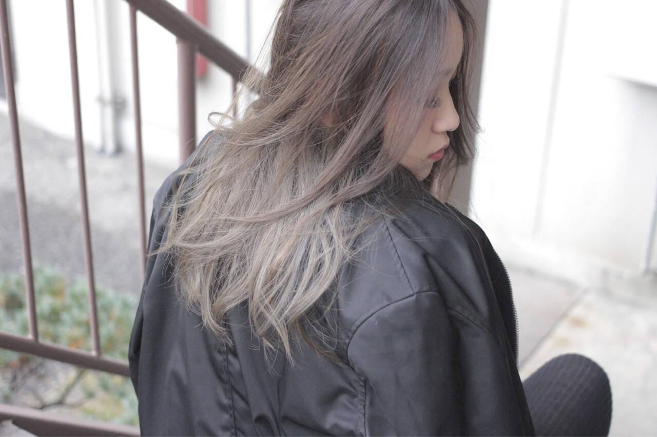 外国人風 アッシュ ハイライト グラデーションカラーヘアスタイルや髪型の写真・画像