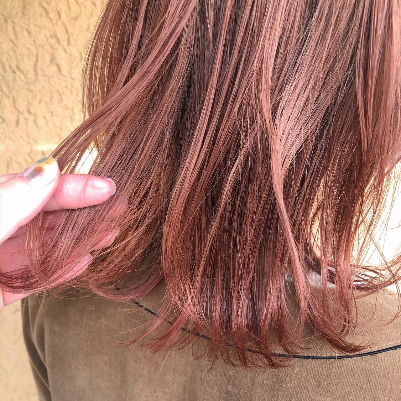 切りっぱなしボブ ピンクアッシュ ミディアム ロブヘアスタイルや髪型の写真・画像