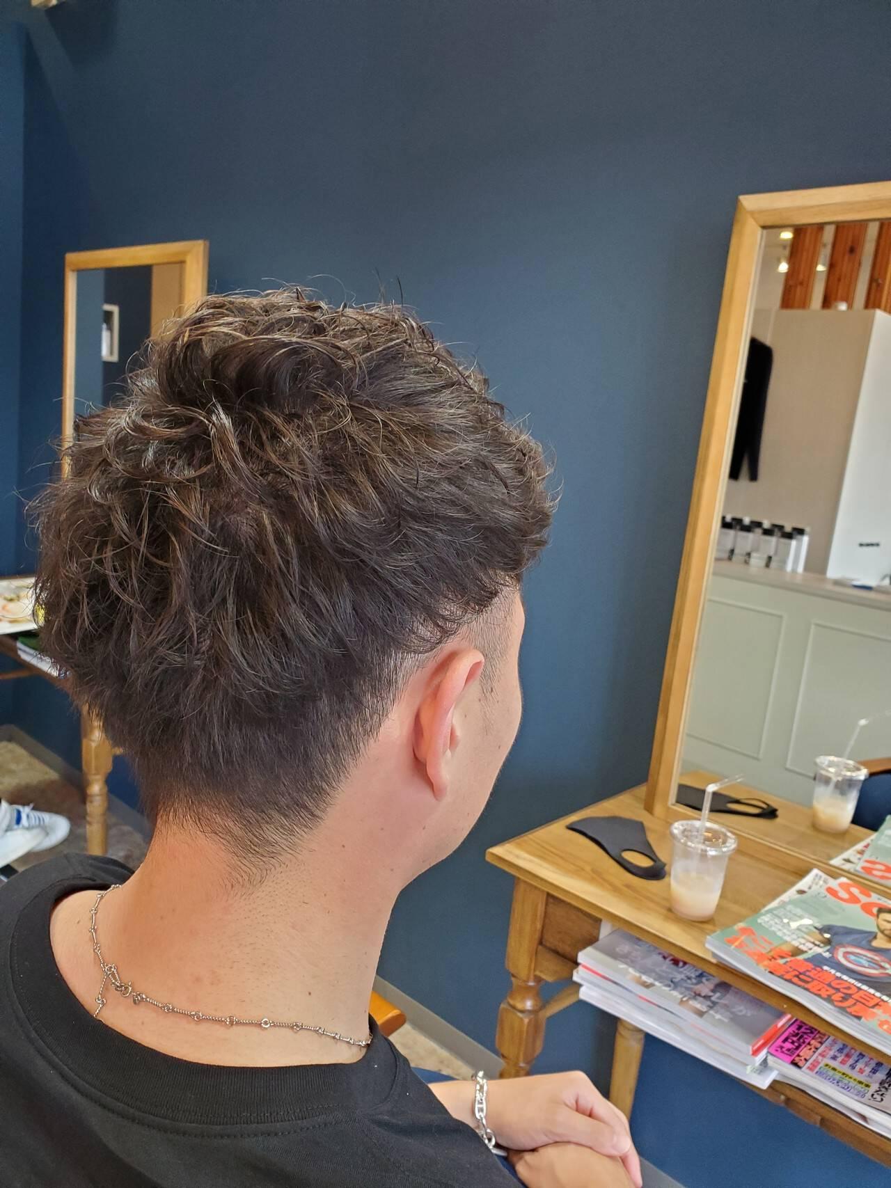 ナチュラル メンズヘア メンズパーマ メンズヘアスタイルや髪型の写真・画像