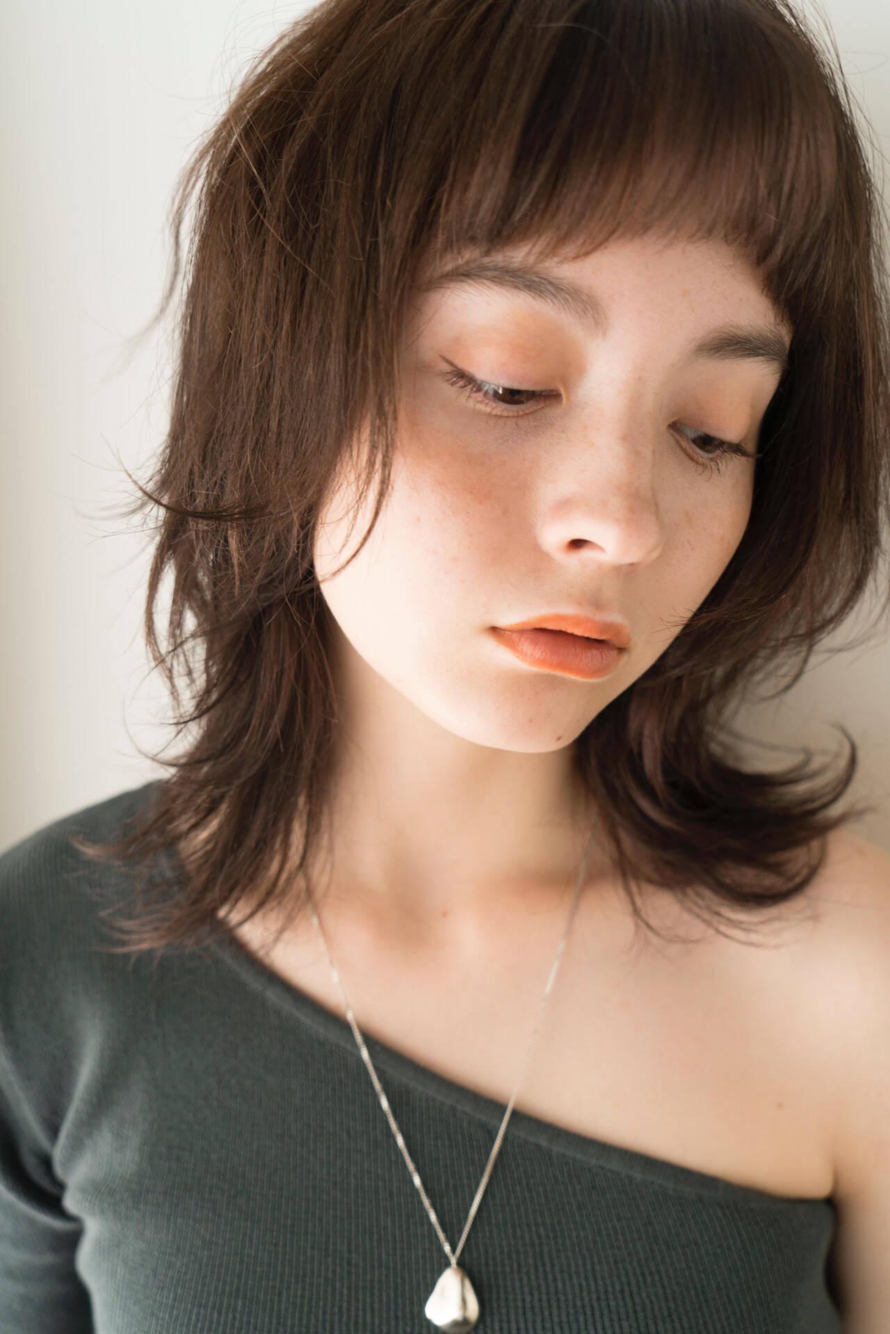 ウルフ女子 ニュアンスウルフ ミディアム マッシュウルフヘアスタイルや髪型の写真・画像