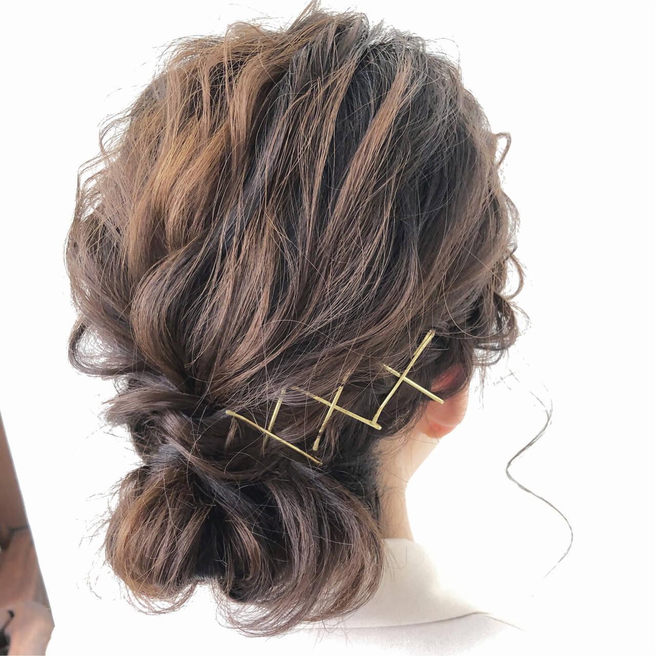 ルーズ アンニュイほつれヘア 結婚式 フェミニンヘアスタイルや髪型の写真・画像