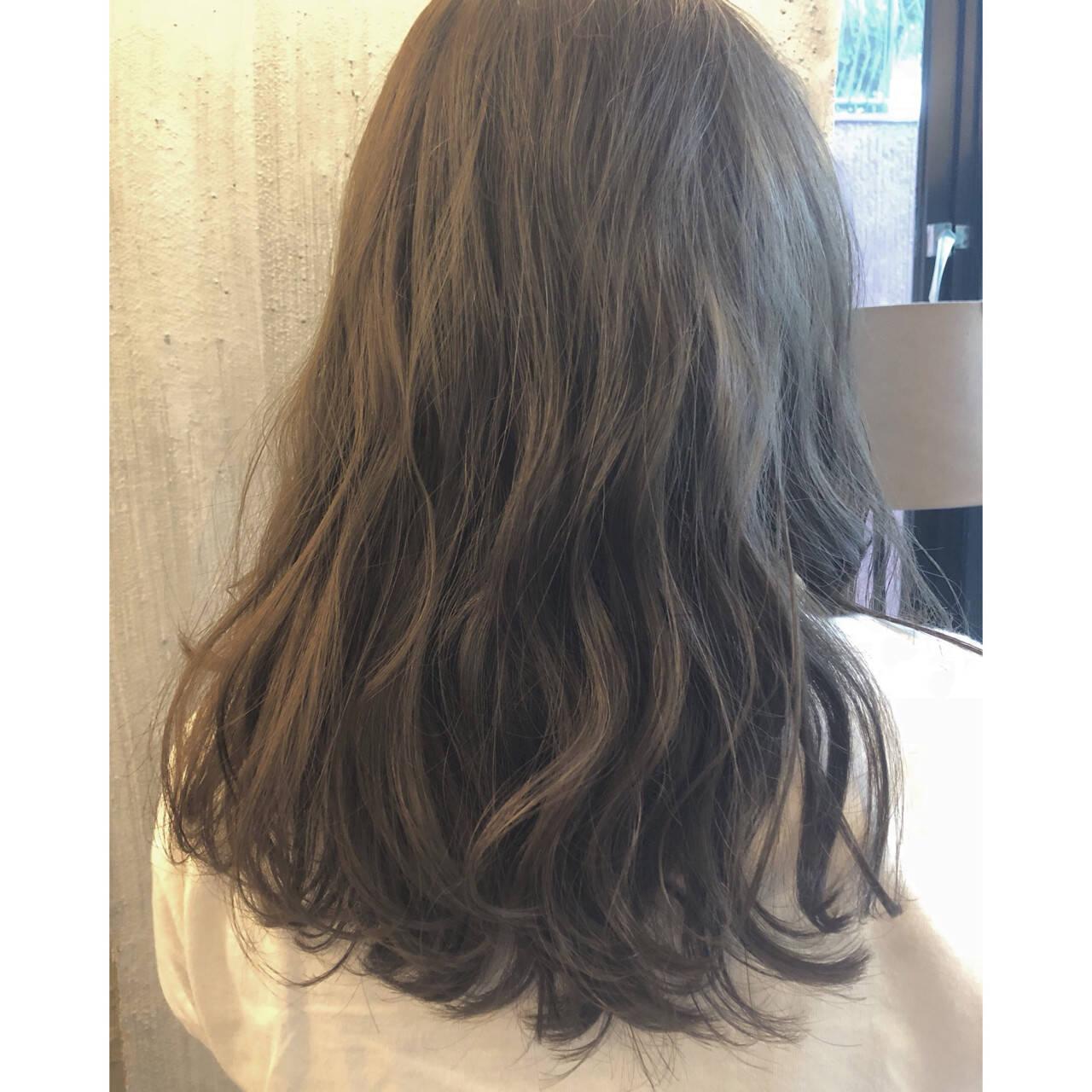 前髪あり おフェロ 透明感 ナチュラルヘアスタイルや髪型の写真・画像